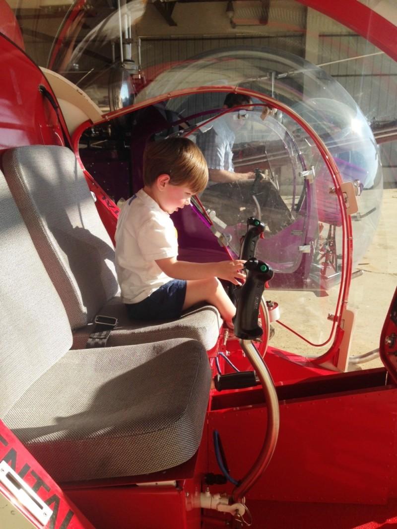 Future Safari Pilot H.W.